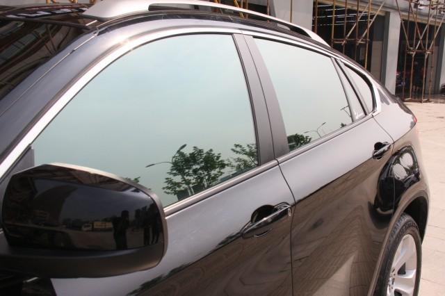 宝马X6车身贴太阳膜