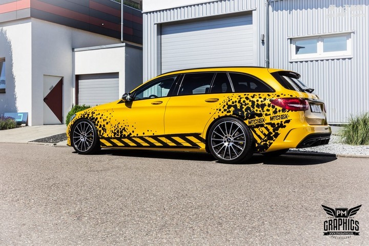 mercedes-c450-amg-yellow-taxi-vs-c43-in-silky-blue-wrap-battle_6.jpg