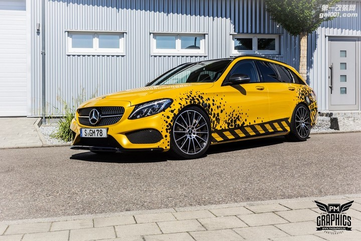 mercedes-c450-amg-yellow-taxi-vs-c43-in-silky-blue-wrap-battle_7.jpg