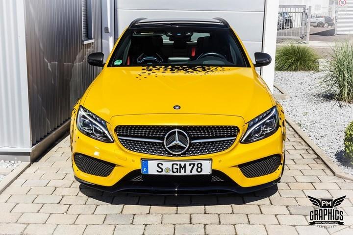 mercedes-c450-amg-yellow-taxi-vs-c43-in-silky-blue-wrap-battle_10.jpg
