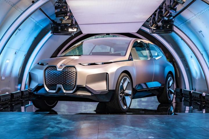 BMW Vision iNEXT概念版首次亮相