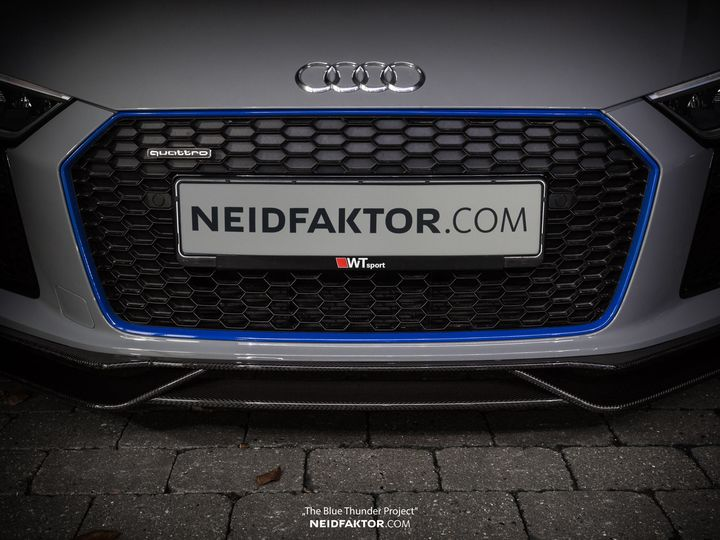 neidfaktor-covers-the-audi-r8-in-carbon-fiber_1.jpg