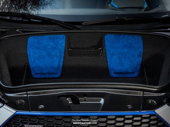 neidfaktor-covers-the-audi-r8-in-carbon-fiber_2.jpg