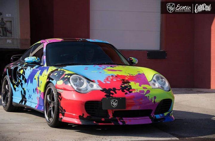 色彩绚丽的改装版保时捷911 Turbo