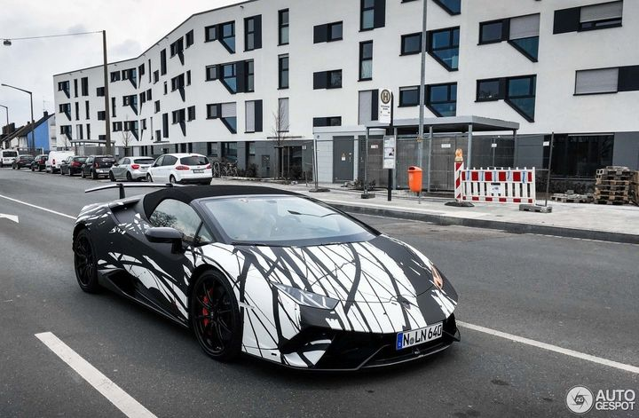 gucci-lamborghini-huracan-wrap-is-all-about-the-swag_2.jpg