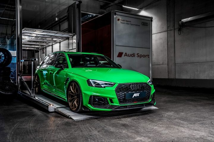 abt-rs4-shows-green-carbon-spec-will-be-joined-by-350-hp-cupra-ateca-in-geneva_4.jpg