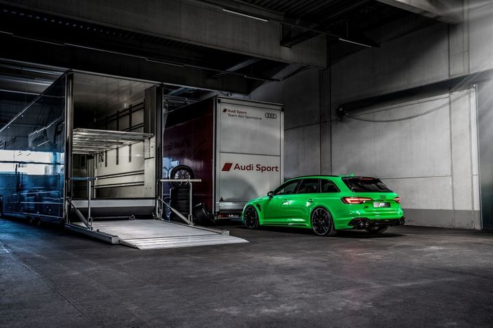 abt-rs4-shows-green-carbon-spec-will-be-joined-by-350-hp-cupra-ateca-in-geneva_6.jpg