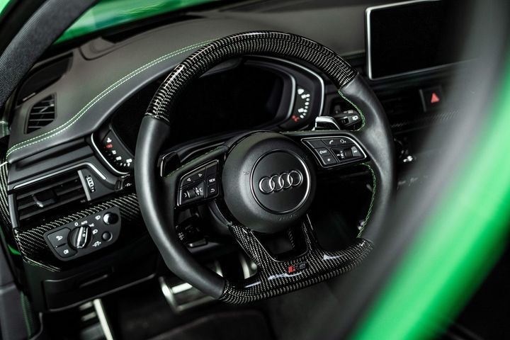 abt-rs4-shows-green-carbon-spec-will-be-joined-by-350-hp-cupra-ateca-in-geneva_8.jpg