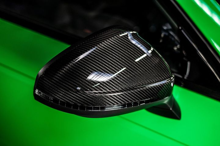 abt-rs4-shows-green-carbon-spec-will-be-joined-by-350-hp-cupra-ateca-in-geneva_13.jpg