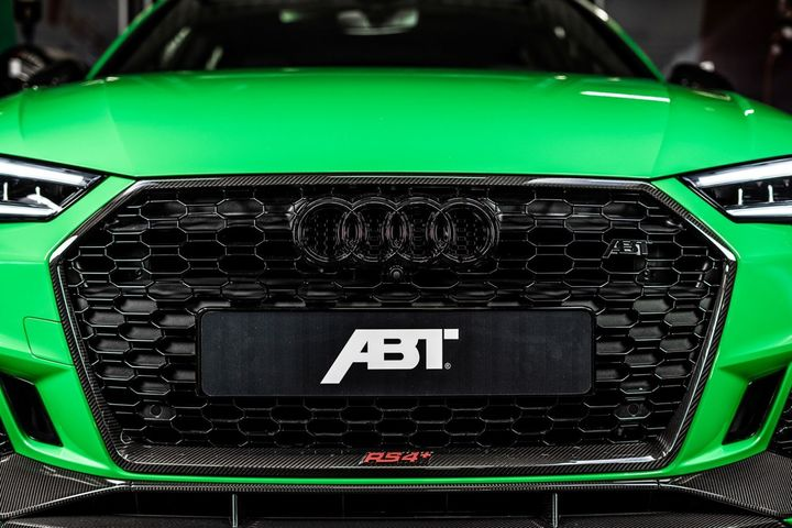 abt-rs4-shows-green-carbon-spec-will-be-joined-by-350-hp-cupra-ateca-in-geneva_16.jpg