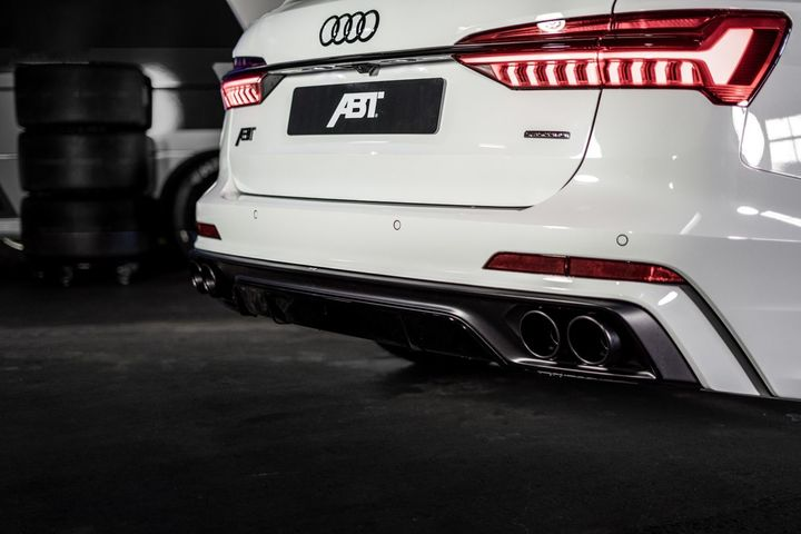 abt-rs4-shows-green-carbon-spec-will-be-joined-by-350-hp-cupra-ateca-in-geneva_22.jpg