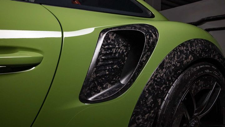techart-gt-street-rs-arrives-in-geneva-as-forged-carbon-991-turbo_11.jpg