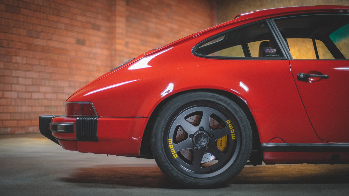 new-momo-heritage-6-wheel-available-now_3.jpg