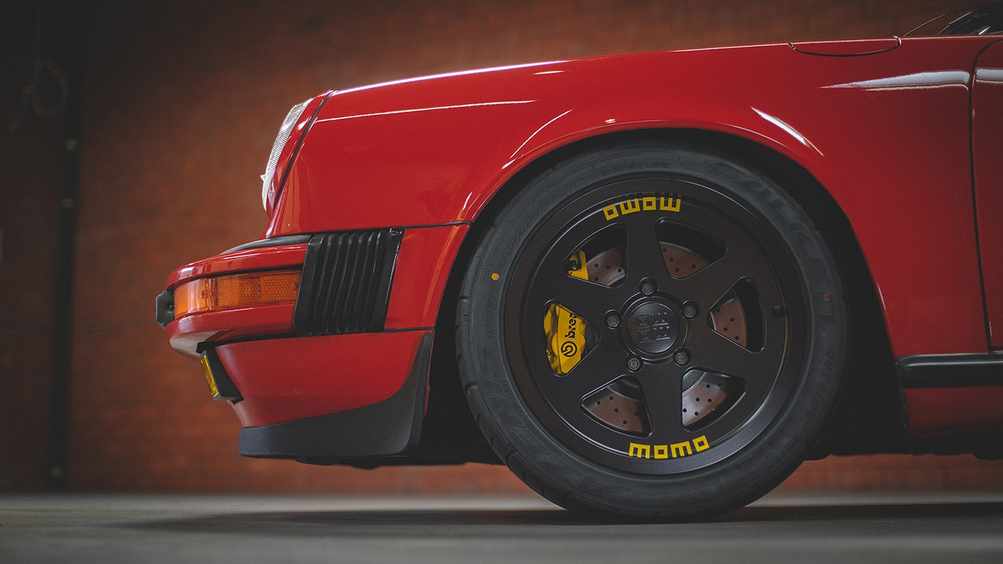 new-momo-heritage-6-wheel-available-now_2.jpg