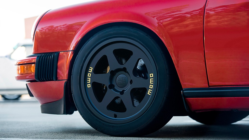 new-momo-heritage-6-wheel-available-now_5.jpg